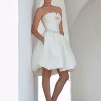 Charly-mini: одна из вариаций платья Сharly. Свадебное платье для невесты веселого настроения и утонченного стиля.  Ткани и материалы: сатин-микадо Цвет: платья: белый, жемчужный, кремовый  Идея: декор платья может быть выполнен в разных цветах, наприм