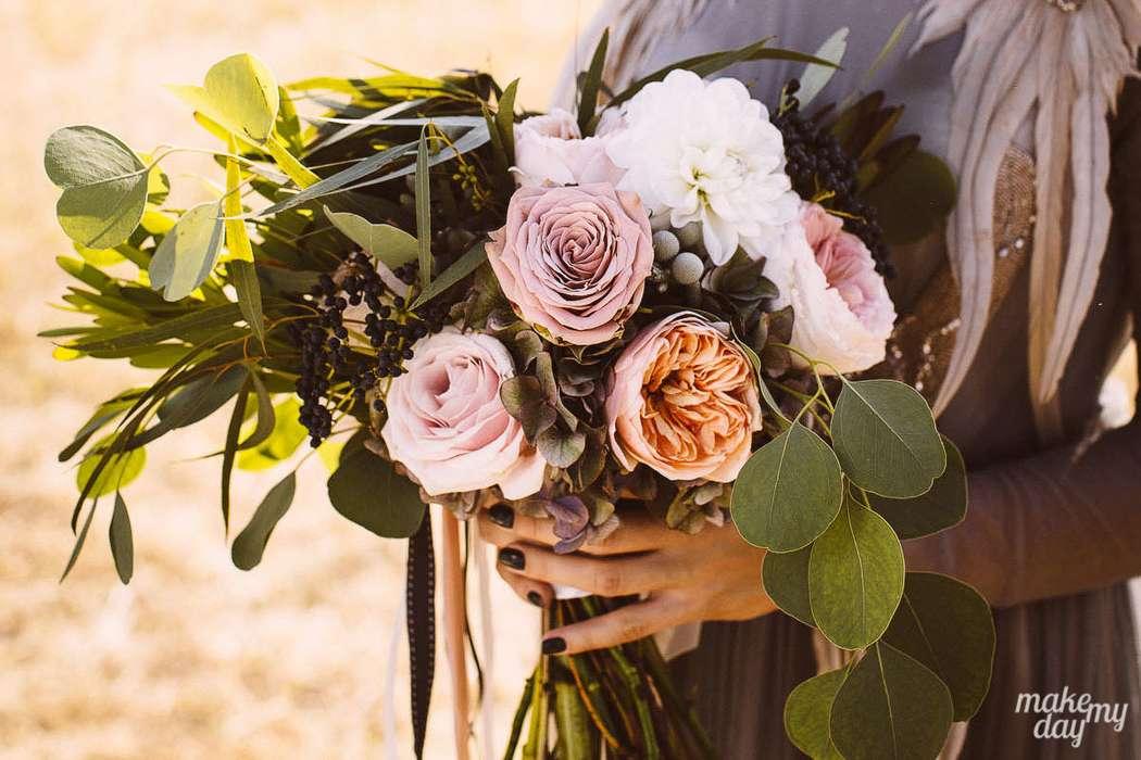 О каком букете вы мечтали? У нашей невесты их было два. - фото 3779021 Свадебное агентство Make my day