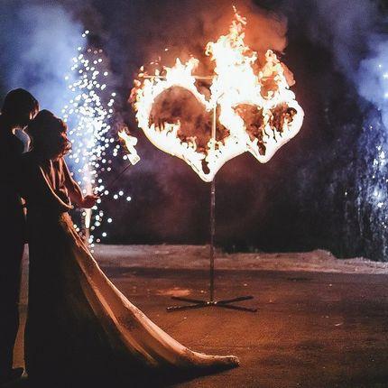 Огненные сердца и 2 фонтана