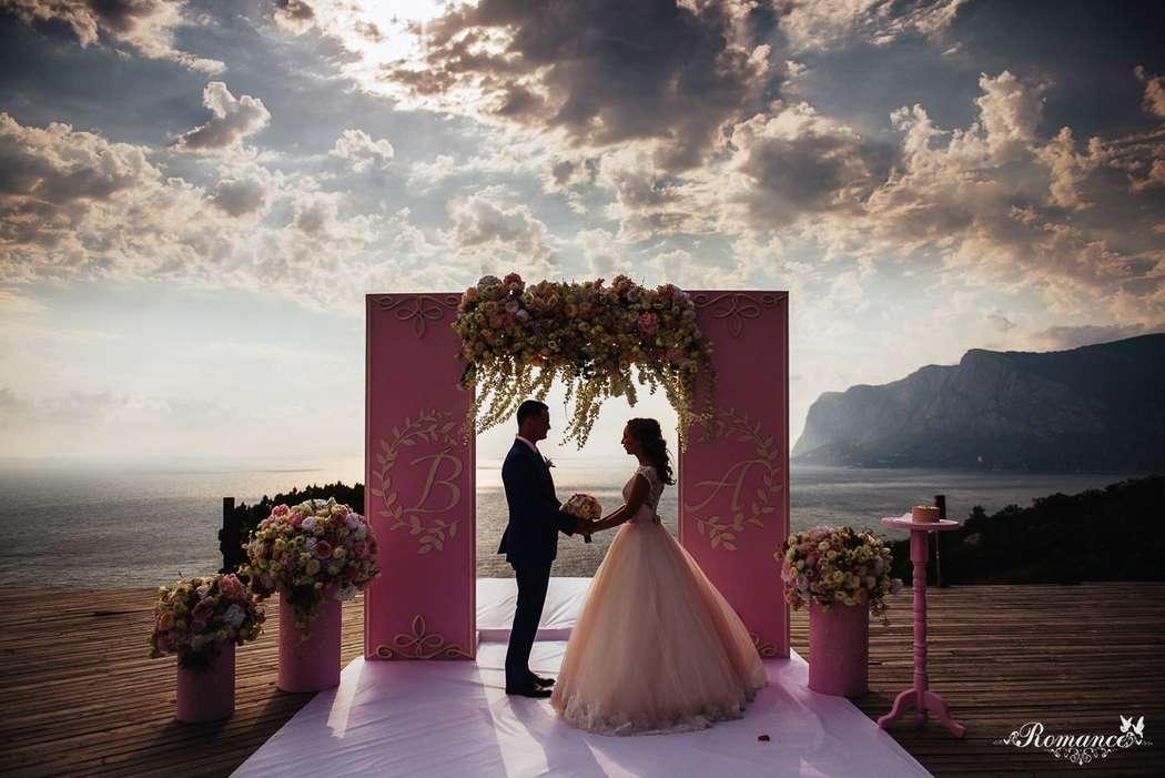 Выездная церемония в Крыму - фото 12573826 Свадебное агентство Romance