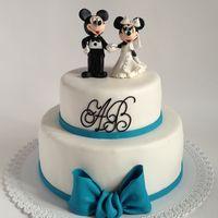 Микки и Минни  на свадебном тортике)
