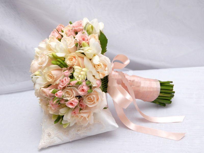 Красиви, небольшой свадебный букет фото