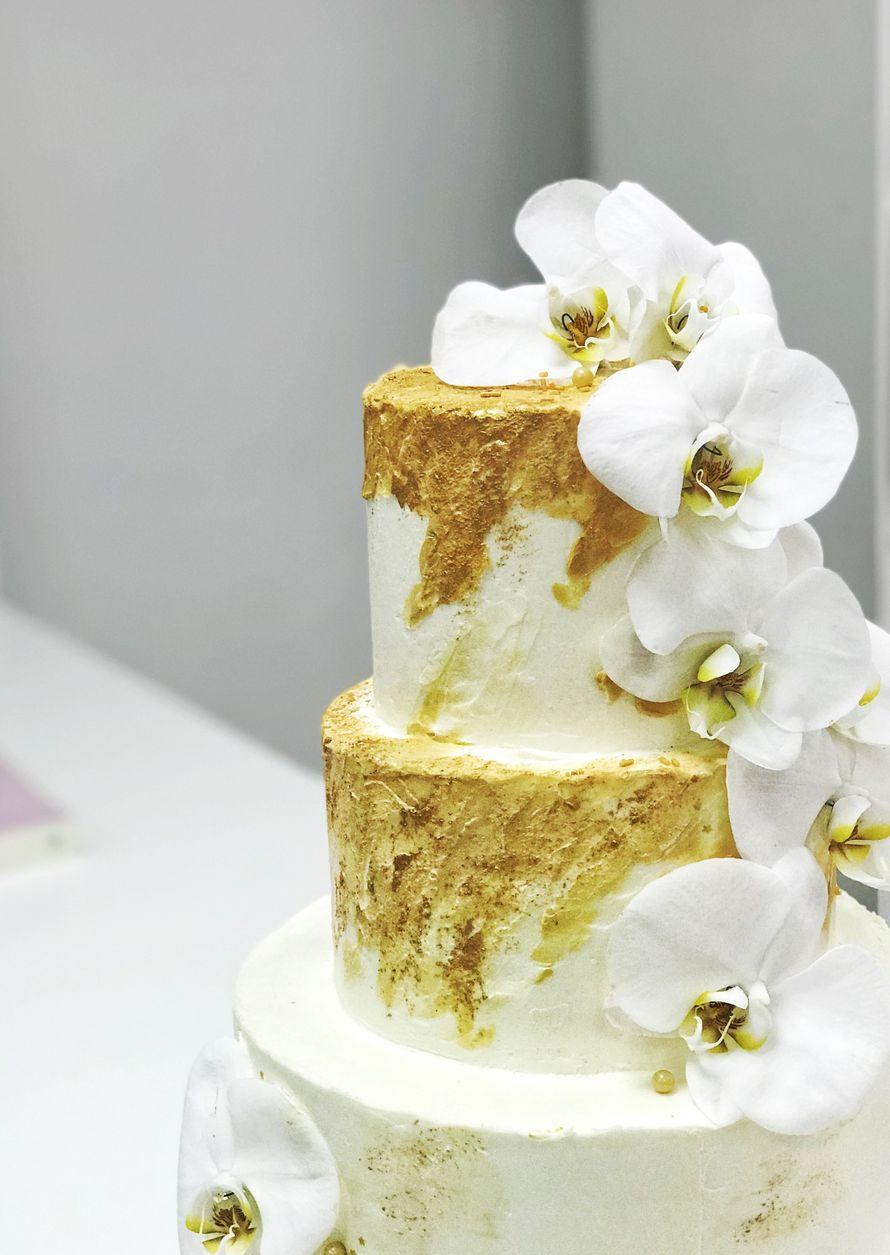 Торт с цветочным декором, цена за 1 персону