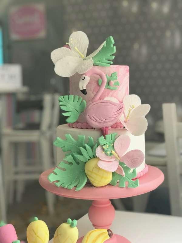 """Торт """"Фламинго""""  стоимость 1600 Р/кг - закажите торт за 1 месяц или ранее и получите каждый 3-ий кг в подарок Декор из сахарной пасты оплачивается отдельно - фото 17665304 Sweet - кафе-кондитерская"""
