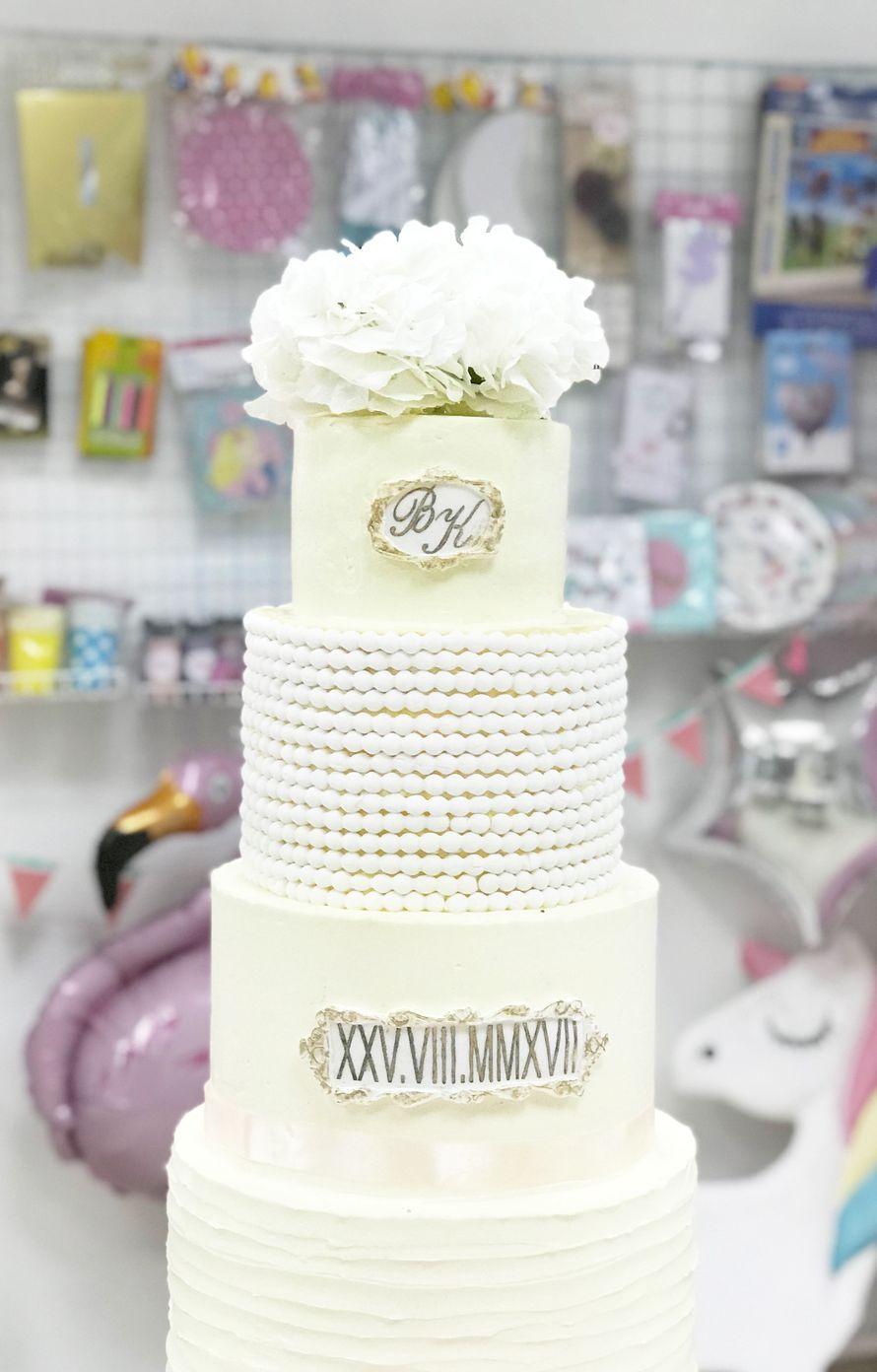 торт с цветочным декором начинки из ассортимента Sweet кафе изготовление 3 дня работа по полной предоплате - фото 17824568 Sweet - кафе-кондитерская