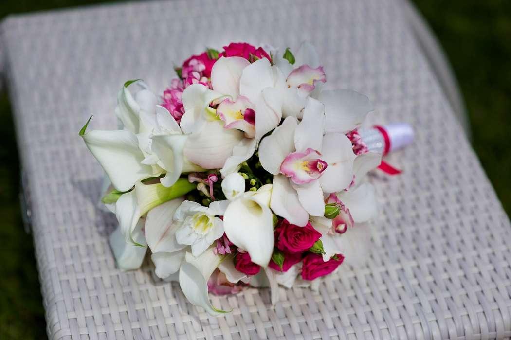 Букет, свадебный букет розовые калл и орхидей