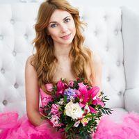 потрет, свадебный лиловый, розовый букет