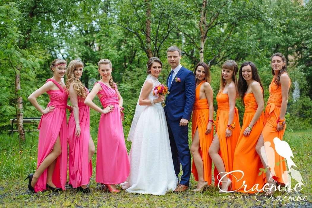 Стильно, когда подружки невесты одеты в одинаковые платья - фото 4494117 Свадебное агентство - Счастье