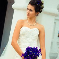 Букет невесты из ирисов для летней свадьбы