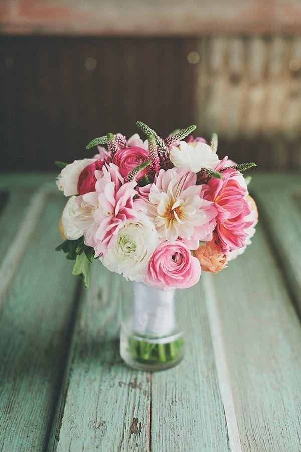 Ранункулюс свадебный букет, вива роза заказать