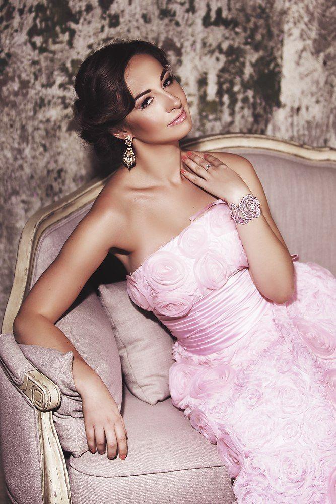 розовое платье. классическая прическа. макияж в розовых тонах - фото 2263560 Стилист-визажист Катрина Петренко
