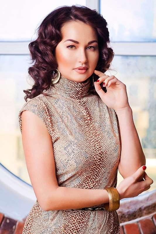 макияж для опущенных век, объемные волны - фото 2415321 Стилист-визажист Катрина Петренко