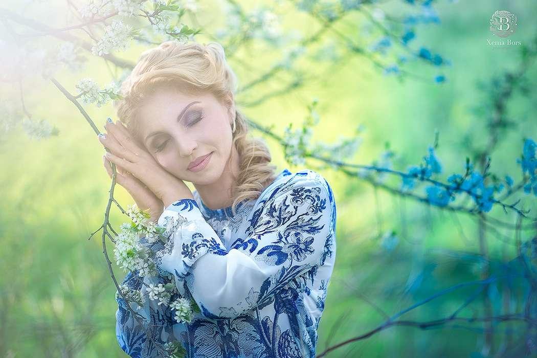прическа из жгутов, коричневый смоки. - фото 2415343 Стилист-визажист Катрина Петренко