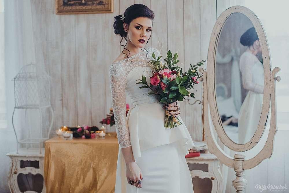 невеста, низкий пучок, украшения ручной работы, золото, богемный стиль - фото 4787523 Стилист-визажист Катрина Петренко