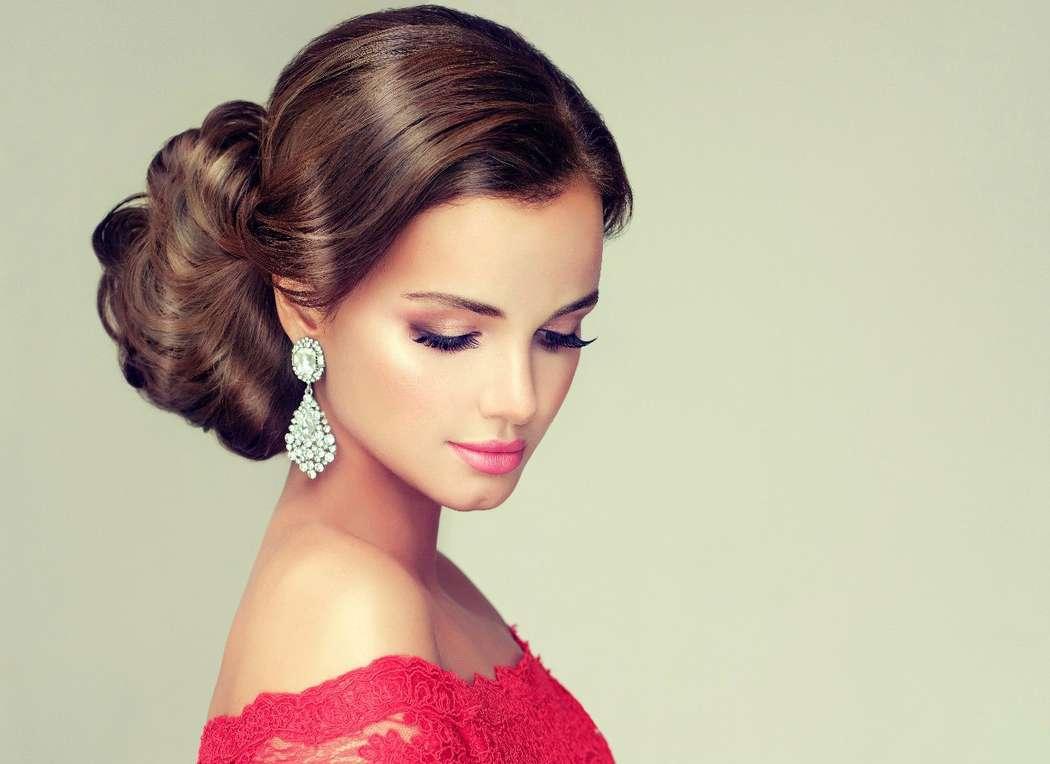 Свадебный макияж для розового платья