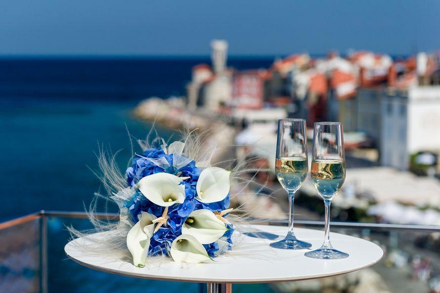 Букет невесты из голубых гортензий и белых астр - фото 2610577 Агентство Интерус - свадьбы в Словении