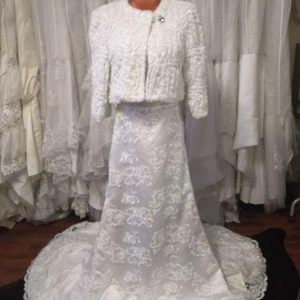 Платье из кружева на прокат