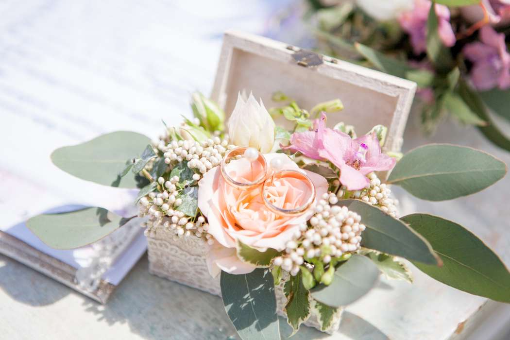 Шкатулка для колец с живыми цветами - фото 16389894 Флорист Наталья Жукова
