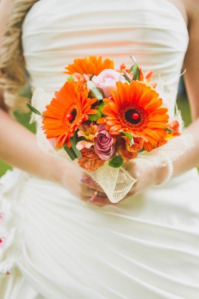 Свадебные букеты из оранжевых герберы
