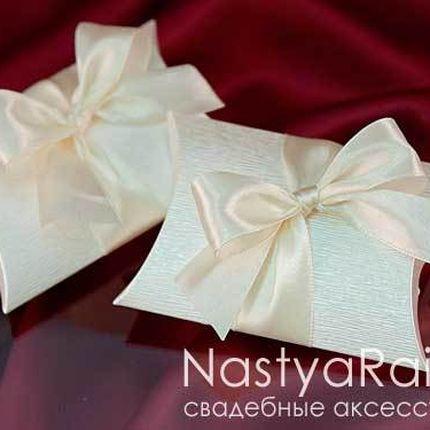Кремовый конвертик для конфет