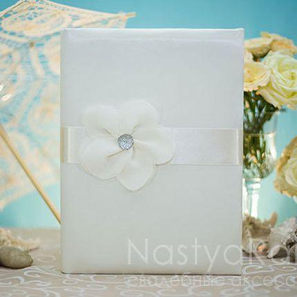 Папка для свидетельства о браке с цветком