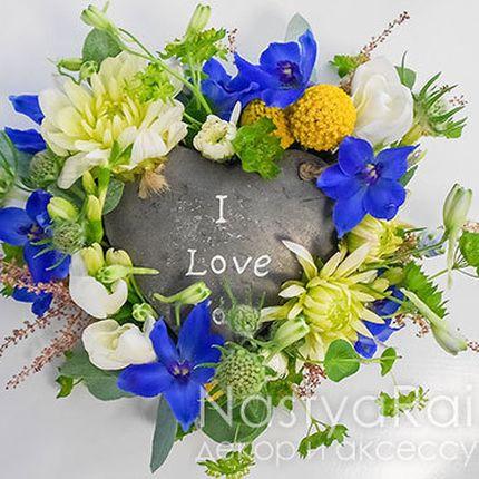 Подставка для колец из живых цветов