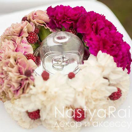 Подставка для колец с живыми цветами