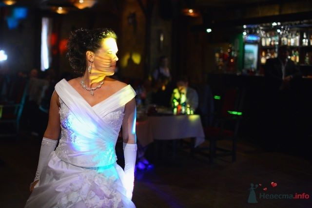 "невеста в свете диско - фото 48954 Funday - свадебное агентство парка ""Сокольники"""