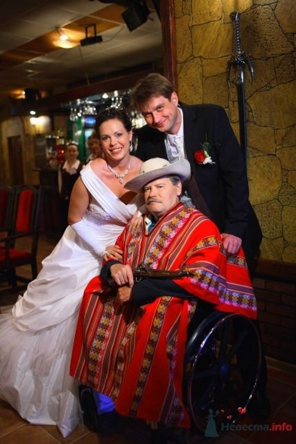 """глава клана в окружении молодой семьи - фото 48980 Funday - свадебное агентство парка """"Сокольники"""""""