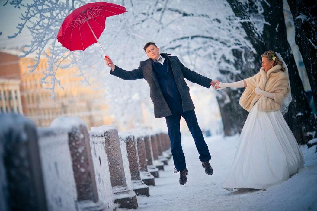 настолько свадебные фотосессии в питере зимой арка