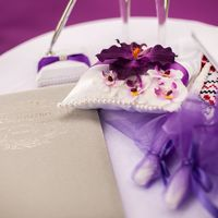 Подушечка для колец с орхидеями