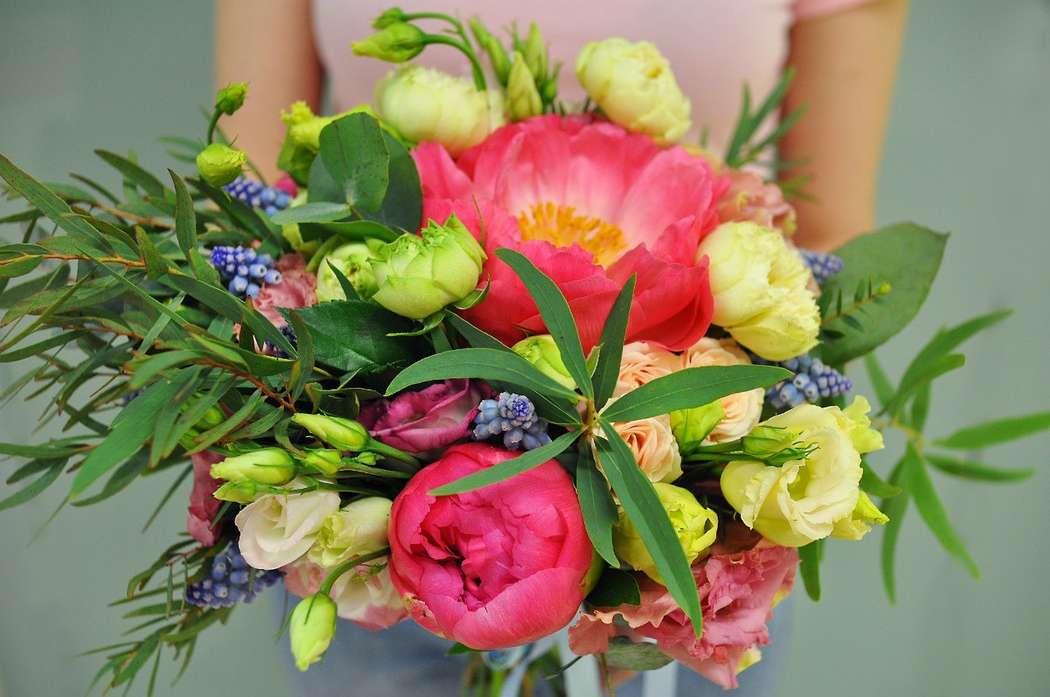 Фото живых тюльпанов и пионов