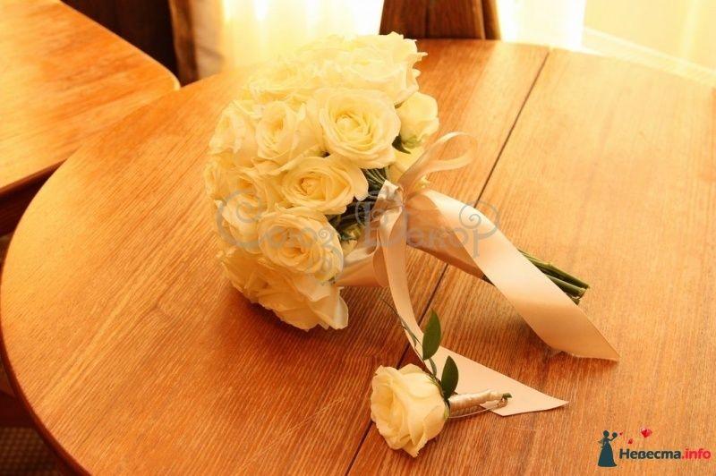 Свадебные букеты из роз кремовых киев, букет