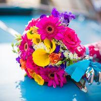 Букет невесты на свадьбе Юры и Ани в стиле Стиляги