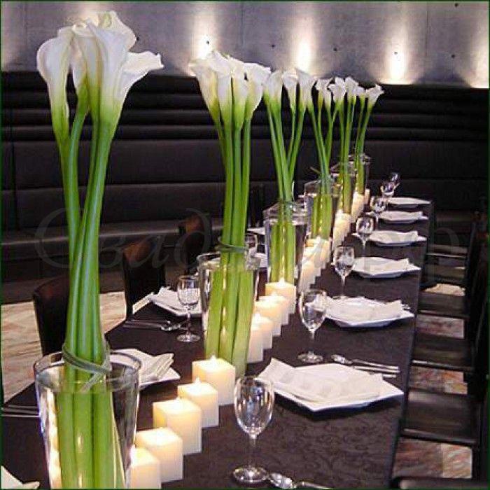 Монобукеты белых калл, расположенные вдоль стола.  - фото 2528171 Студия авторской флористики и декора'' Красота''