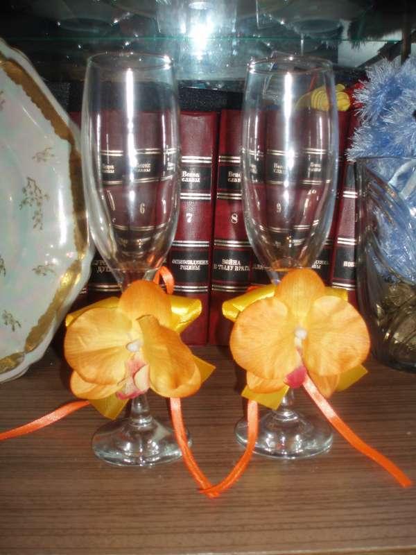 Бокалы с орхидеями. Возможно исполнение в любом цвете. - фото 2693533 Мастерская аксессуаров БиС