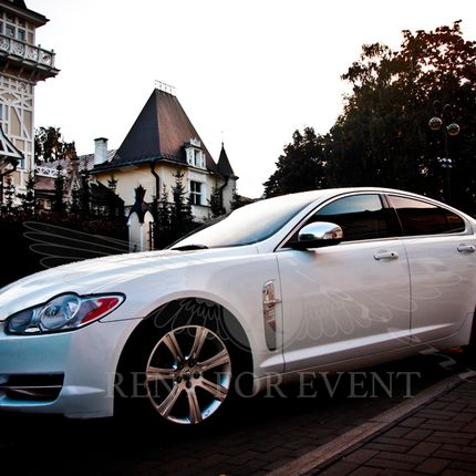 Аренда авто Jaguar XF Brillian style - аренда