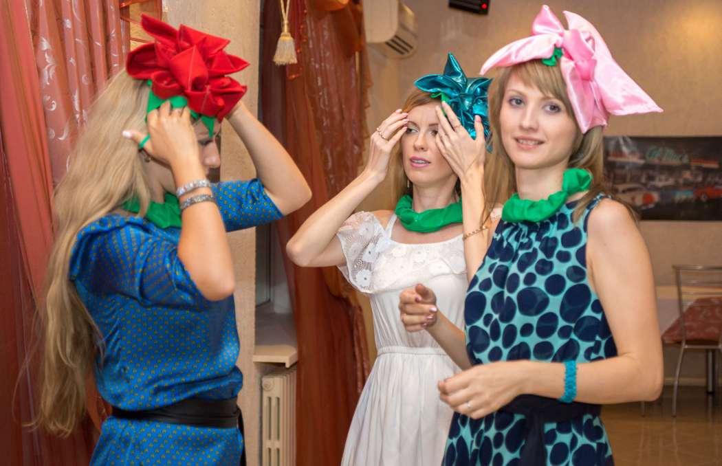 Сценка поздравление три девицы