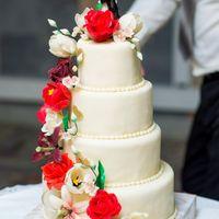 Великолепный торт молодоженов