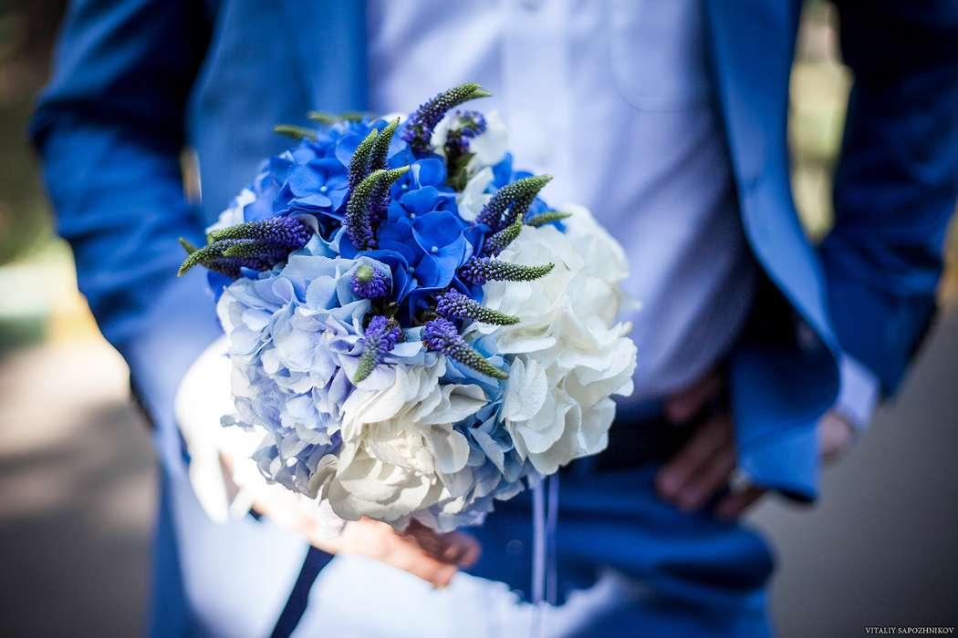 Свадебные букеты для невесты с синими цветами фото 2017, денег киев букет