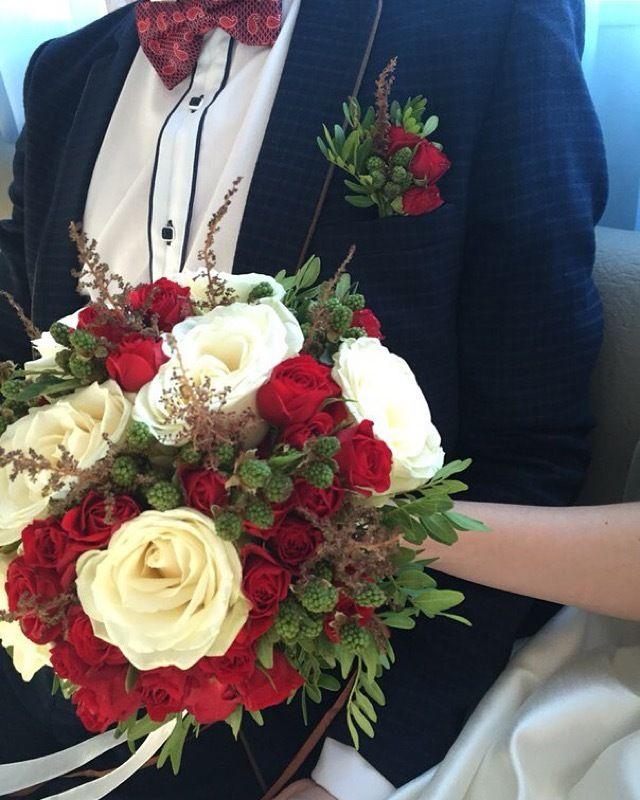 Классический красно-белыйбукет невестыс ежевикой и астильбой - фото 11036970 Студия декора Rizi