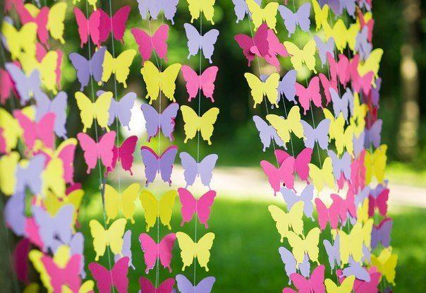 Гирлянды из бумажных бабочек