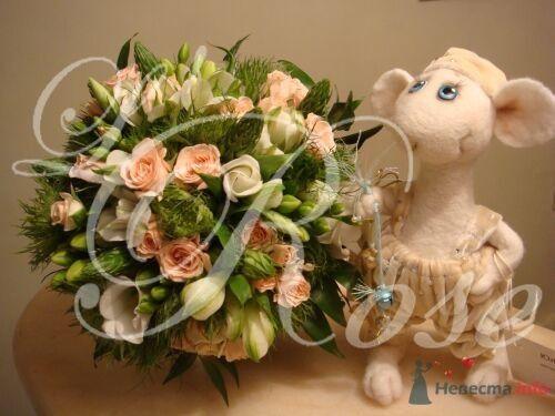 """Фото 17840 в коллекции Свадебные букеты, аксессуары - Галерея цветов """"L'Rose"""""""