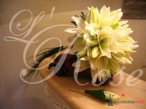 """Фото 17844 в коллекции Свадебные букеты, аксессуары - Галерея цветов """"L'Rose"""""""