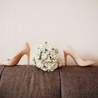 букет невесты, рустика, розы, туфли