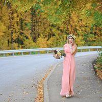 Девушка с букетом. Осень