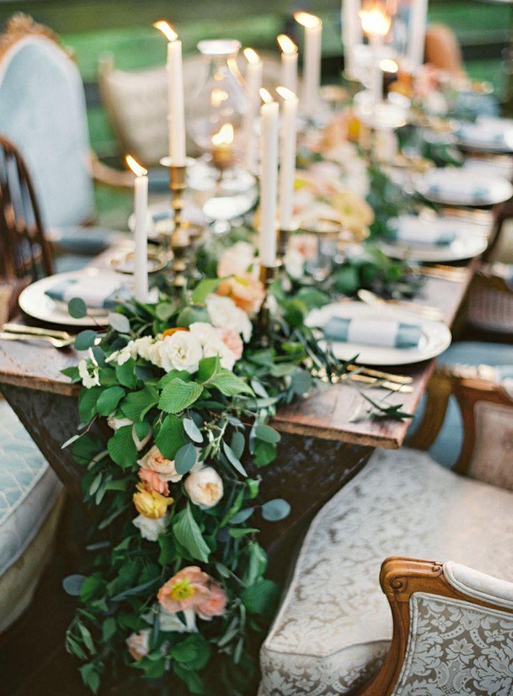 Композиция для стола из кремовых и розовых пионовидных роз, эвкалипта и зелени.  - фото 3167861 lavruw