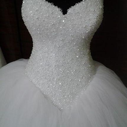 Свадебное платье с бисерным корсетом