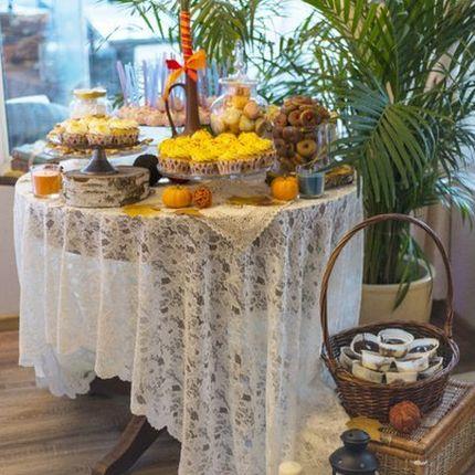 Стол для Candy bar в ретро стиле, аренда и доставка