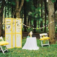 """фотозона для """"желтой"""" свадьбы"""
